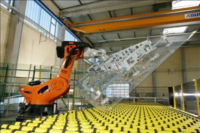 KUKA robot for flat glas handling