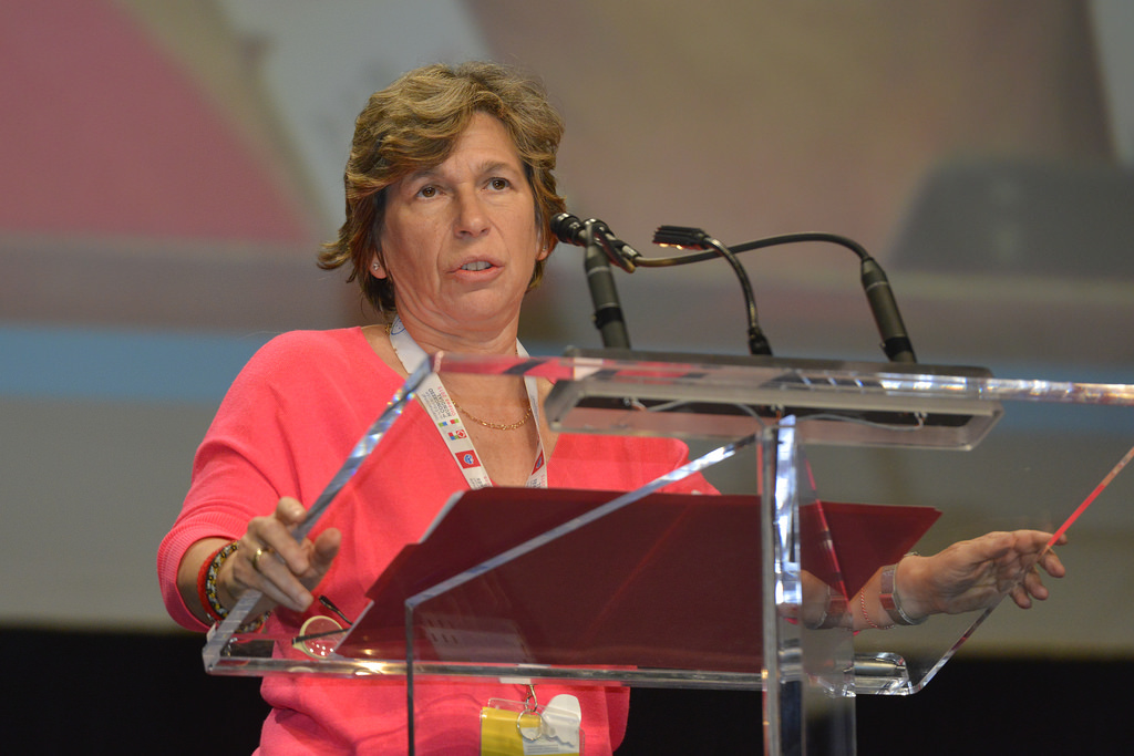 photo of Randi Weingarten speaking to a union audience