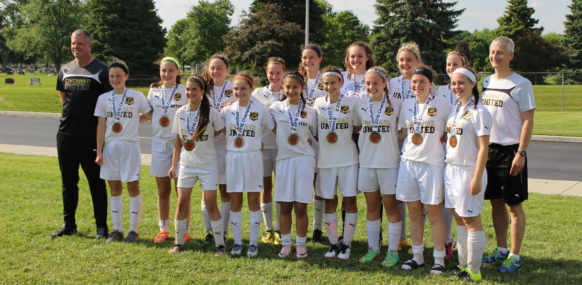 group photo of youth league girls' Soccer club, Cincinnati United