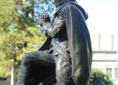 George Washington in prayer