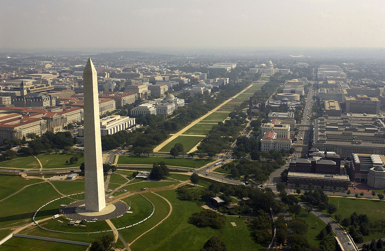 US_Navy Aerial_view_of_the_Washington_Monument