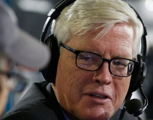 photo of far right radio talker Hugh Hewitt on air