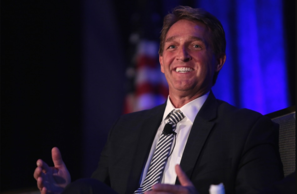 photo of Arizona Senator Jeff Flake at town hall meeting