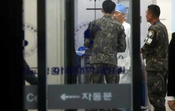 photo of emergency triage area of South Korean Military Hospital where the wounded North Korean soldier who defected was taken by U.N. Command helicopter