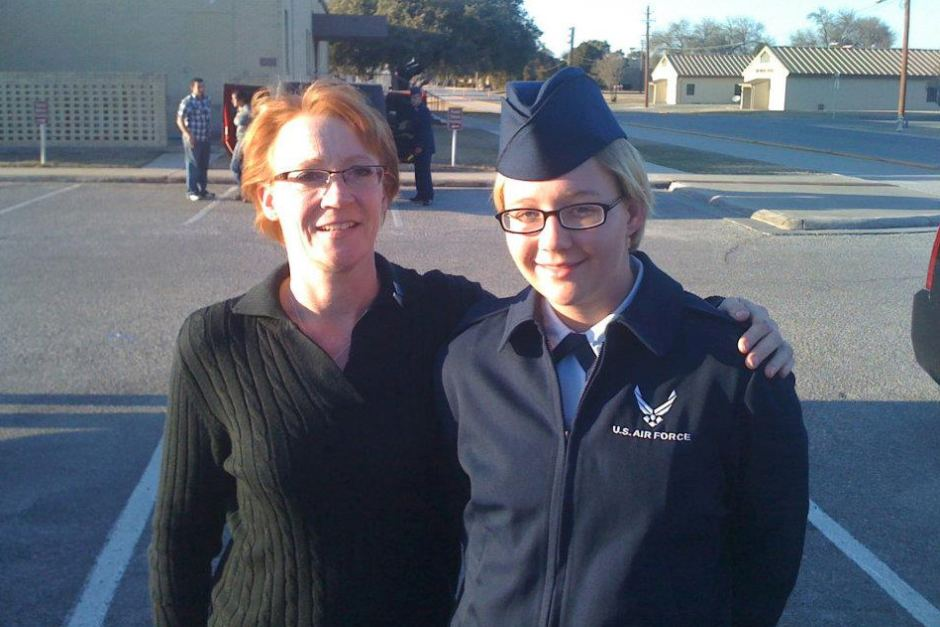Reality Winner standing next to her mother.