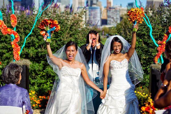 photo of a lesbian wedding ceremony