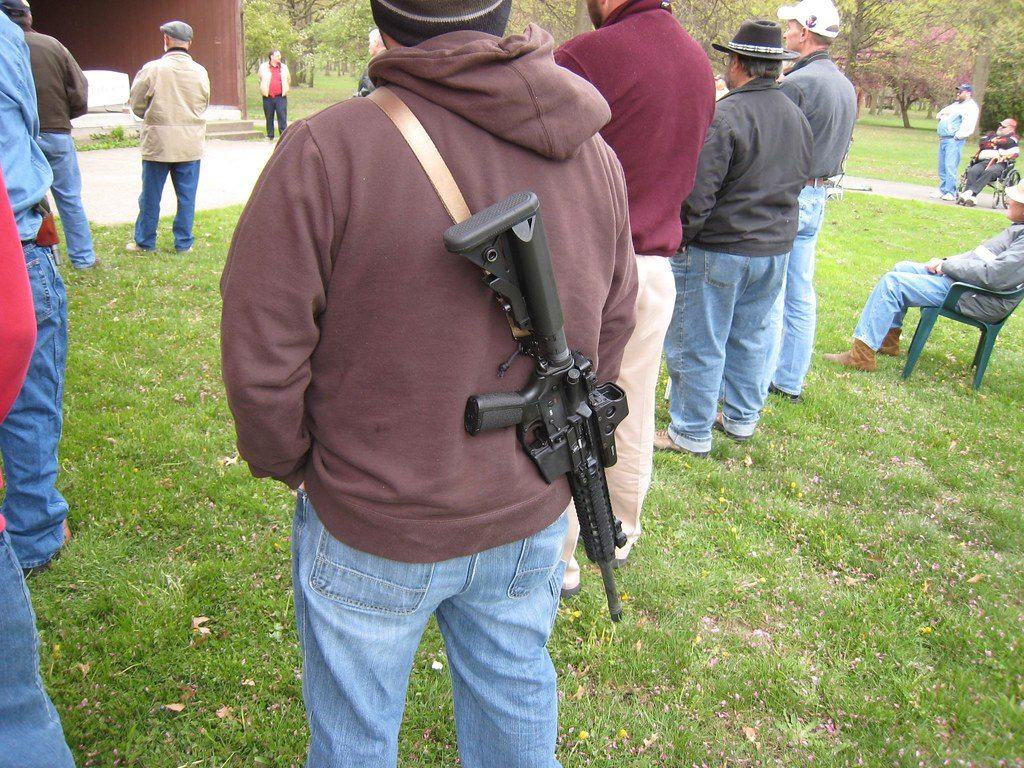 photo of protesters at Campbell, Ohio open carry firearms rally