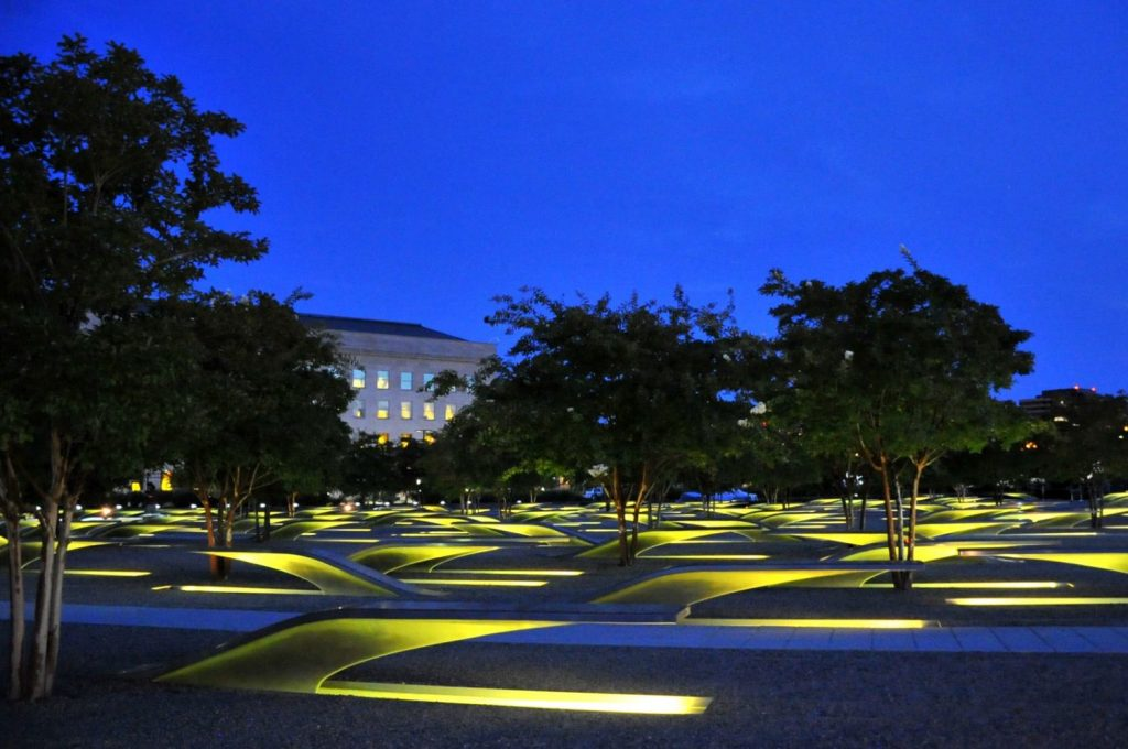 photo of Pentagon 9/11 memorial at night